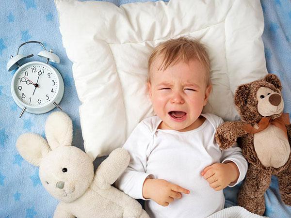 mẹo chữa trẻ khóc đêm
