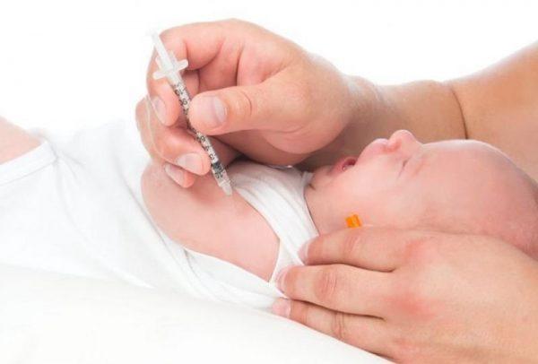 tiêm vacxin viêm gan B cho trẻ sơ sinh