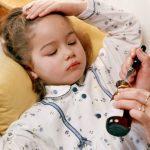 Cách hạ sốt cho trẻ tại nhà bằng phương pháp dân gian đơn giản dễ làm